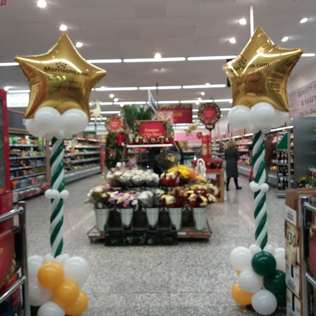 Decorate your shop with baloons